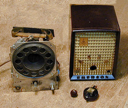Emerson Model 706b Plastic Radio 1952